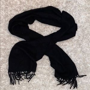 Women's cashmere black scarf. OS. Used.